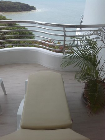 Royal Cliff Beach Hotel : Sit Out relax..