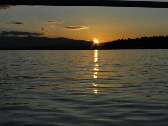 Emerald City Charters: Setting sun on gentle waters