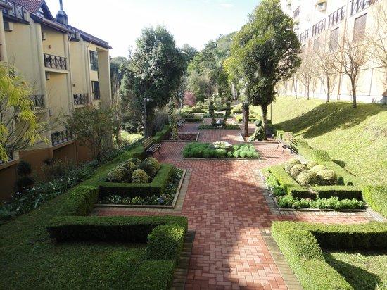 Wish Serrano Resort & Convention: Jardim