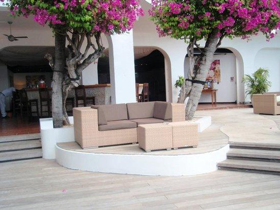 Holland House Beach Hotel : Resturant