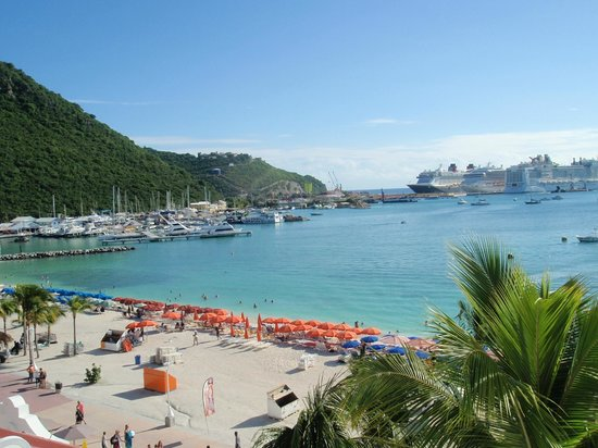 Holland House Beach Hotel : Ocean view