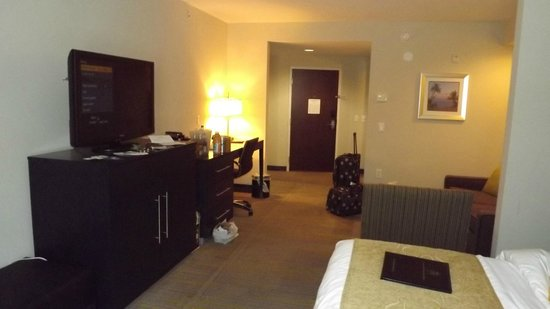 Comfort Suites Miami Airport North: Our room on the first floor