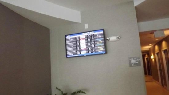 Comfort Suites Miami Airport North : flight tracker