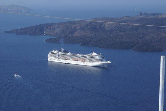 Fira, Grecja: Crucero en Santorini