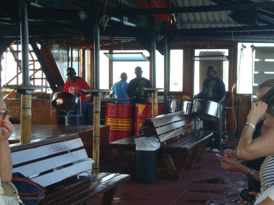 Cruise Ship Excursions: The band playing superb music