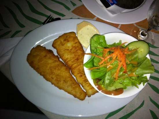 The Edgewater Resort & Spa: Fish, salad and chips
