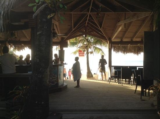 Paradise Beach Hotel: view from Cayuco bar