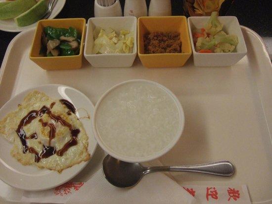 Wish Hotel: local breakfast