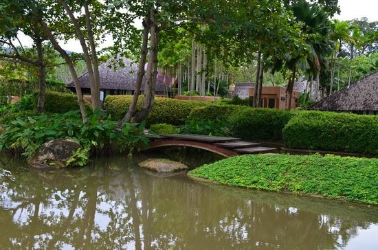 Phulay Bay, A Ritz-Carlton Reserve : Nice landscaping