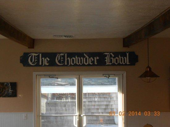Chowder Bowl at Nye Beach: Inside view
