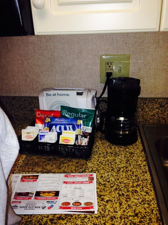 Homewood Suites Newark-Cranford : Warm welcome in the kitchen