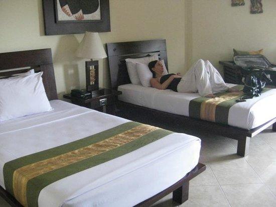 Adi Dharma Hotel : room
