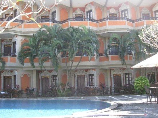 Adi Dharma Hotel: Rooms