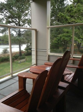 Pacific Sands Beach Resort : The very comfortable chairs on the balcony