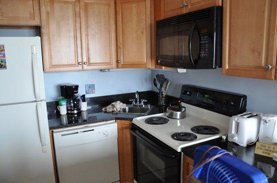 Forest Dunes Resort : kitchen