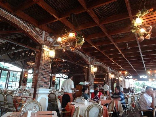 Lenos y Carbon : Restaurant