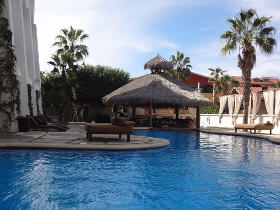 Bahia Hotel & Beach House: Beautiful pool area