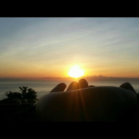 Hotel Casitas Sollevante: view of the sunrise on the hill by the pool