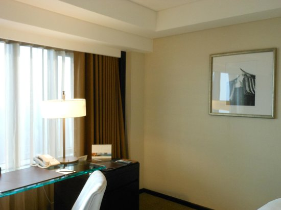 Shangri-La's Far Eastern Plaza Hotel Tainan: 部屋の様子2