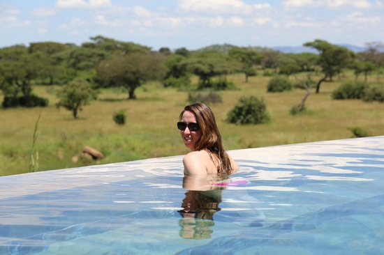 Singita Faru Faru Lodge: Charley in the main pool