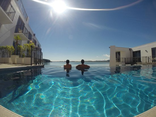 Trinity Wharf Tauranga: Enjoying the pool & the view!
