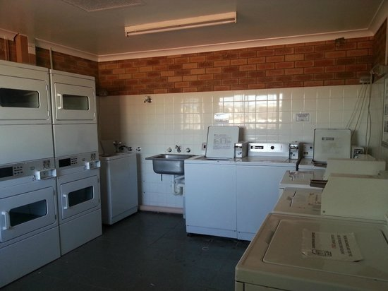 Busselton Holiday Village: Laundry room