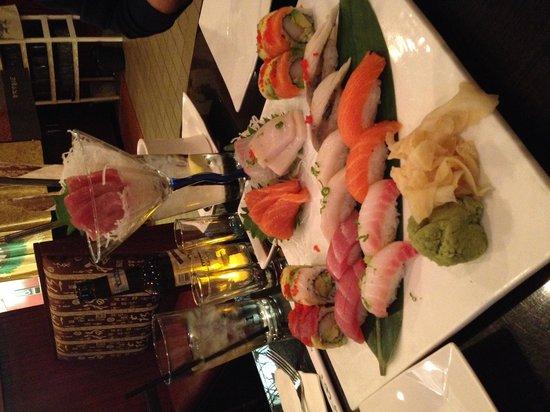 Tokyo & Thai: sushi boat