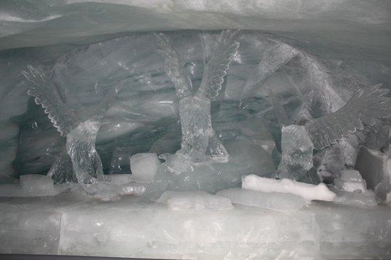 Jungfraujoch : Ice sculptures