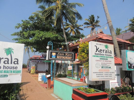 Kerala Bamboo House: sign from Varkala walkway