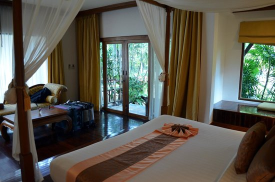Sunrise Tropical Resort: From bed to the terrace