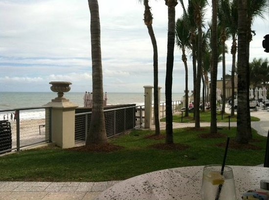Cobalt Restaurant and Lounge - Vero Beach Hotel and Spa : Perfect oceanside dining.