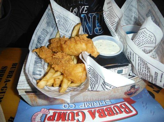 Bubba Gump Shrimp Co. : Platillo niños (Fish & Chips)
