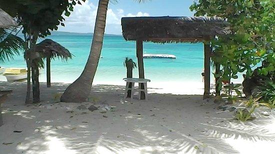 Pele Island: Pele beach scene 2