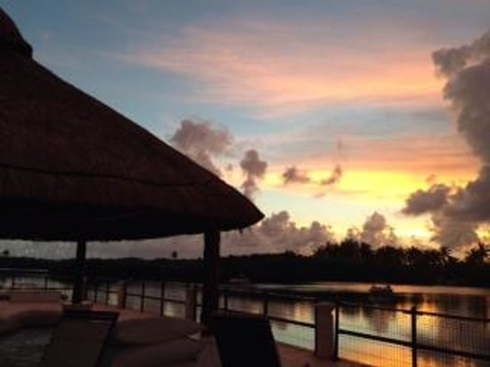 Club Med Cancun Yucatan: Sunset over the lagoon
