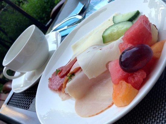 Fraser Residence Budapest: Outdoor Patio Breakfast