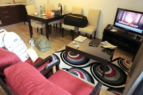 Fraser Residence Budapest: Sitting Area @ Stuido