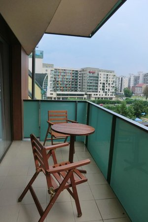 Fraser Residence Budapest: Balcony @ Stuido