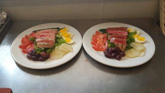 The Bistro at Sky Beach Club: Tuna Nicoise Salad