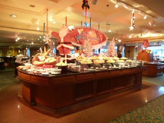 The Emerald Hotel: breakfast