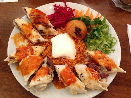 Urfalim Kebap ve Lahmacun: Meat roll kebab