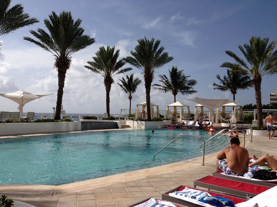 Hilton Fort Lauderdale Beach Resort: Gorgeous pool