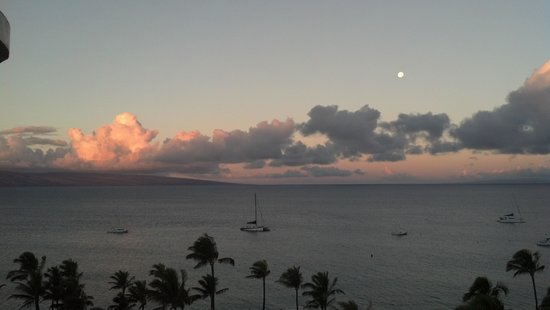Westin Maui Resort And Spa: Sunrise from our terrace