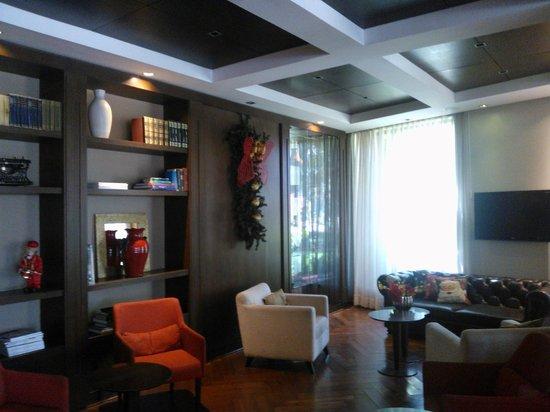 Morrison 114 Hotel: Sala de estar