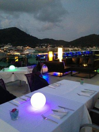 The KEE Resort & Spa: Dining - Skybar