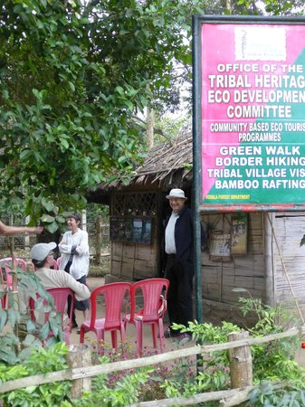 Periyar Tiger Reserve : Meeting place for our small tour group of five people.