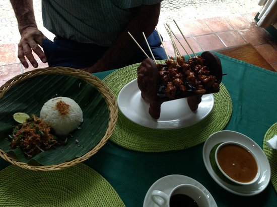 The Watergarden Hotel & Spa: SATE BE SIAP    29000RP
