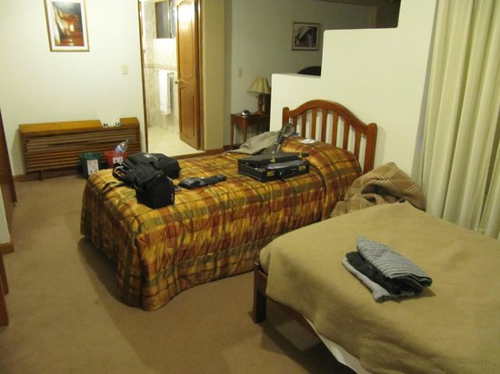 Los Andes De America Hotel: Suite had two single and one double bed