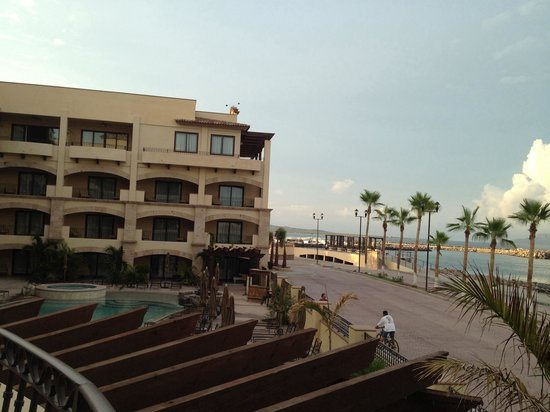 Mesquite Pizza Grill at La Mision Hotel: Great view!