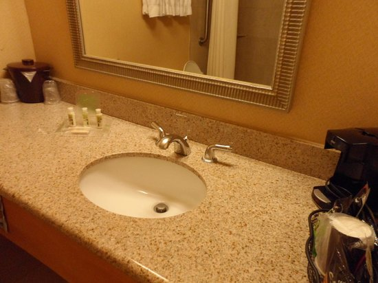 Best Western Plus El Paso Airport Hotel & Conference Center: Sink.