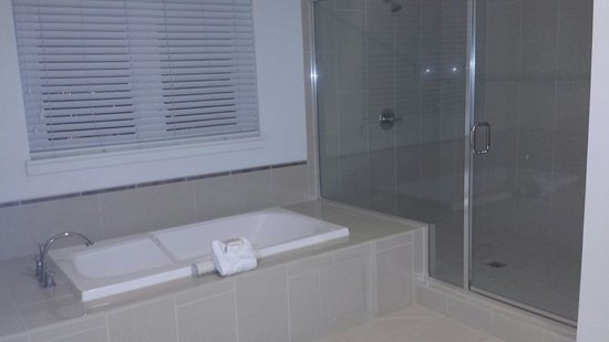 WorldMark Anaheim : Master bath